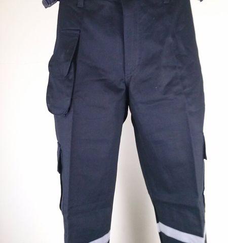กางเกงช่างหรือกางเกงช็อปสำเร็จรูปพร้อมใช้งาน