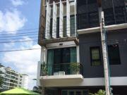 ขาย Luxury Townhome หลังมุม 33 ตรว สไตล์ Modern Loft หมู่บ้าน Bless Town สุขุมวิท 50