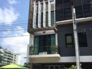 ขาย Luxury Townhome 3 ชั้นครึ่ง หลังมุม 33 ตรว สไตล์ Modern Loft หมู่บ้าน Bless Town สุขุมวิท 50