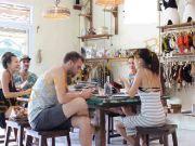 6705018 เซ้งร้านกาแฟและเกสเฮ้าส์กำไรดี ที่เกาะพะงัน สุราษฏร์ธานี