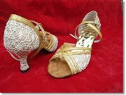 รองเท้าลีลาศราคาถูก คู่แรกของโลกที่มีปุ่มนวดเท้า เพื่อสุขภาพ สวมใส่สบาย