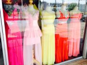 เซ้งร้านชุดราตรี เซ้งร้านเช่าชุดราตรี นวนคร ปทุมธานี ร้านค่อนข้างใหญ่ มี400-500ชุด ด่วนถูกสุดๆ230000