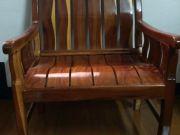 เก้าอี้ไม้มะ่ค่าสภาพ 98เปอร์เซน เงางามมากไม้มะค่าจากสวนส้มจันทบุรี